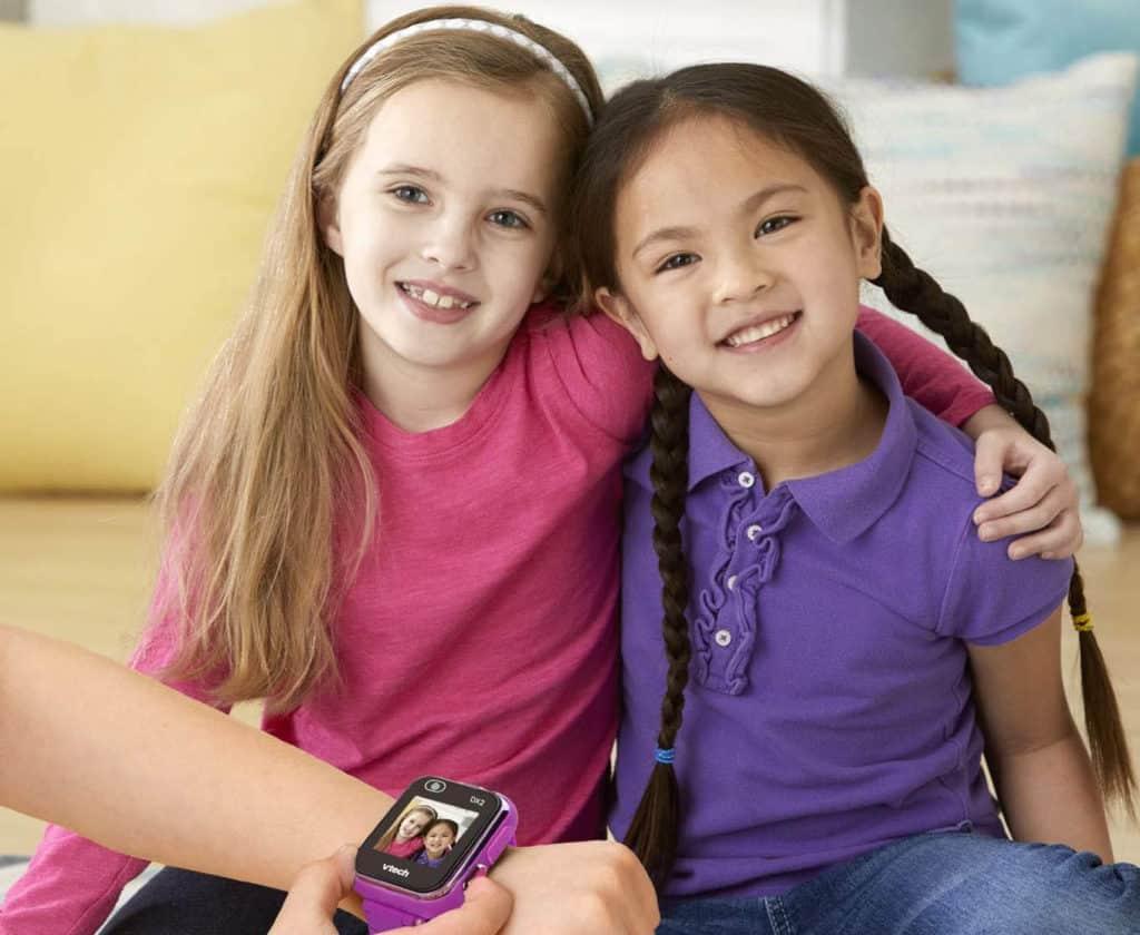 Niños disfrutan con el Reloj inteligente para niños Kidizoom Smart Watch DX2