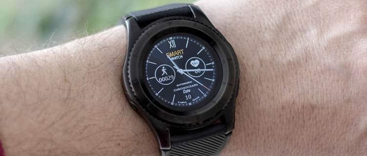 Smartwatch genérico color negro masculino. Ideas para regalar a usuarios de Android por menos de 25€