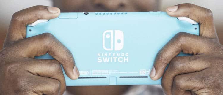 nintendo switch azul parte de atrás. Nintendo Switch y Switch Lite: ¿Cuáles son las diferencias?